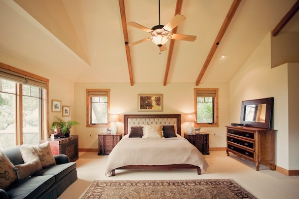 country-home-bedroom