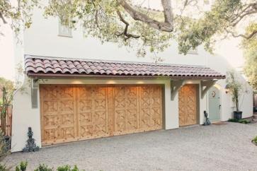 custom-garage-door-design-monterey