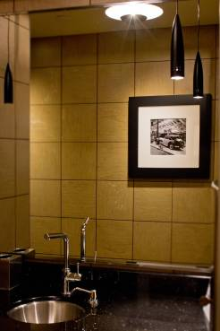 h-mens-bathroom-lighting