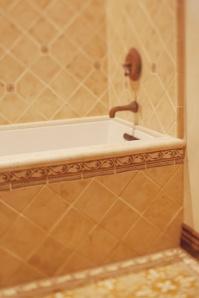 rustic-tile-bathroom