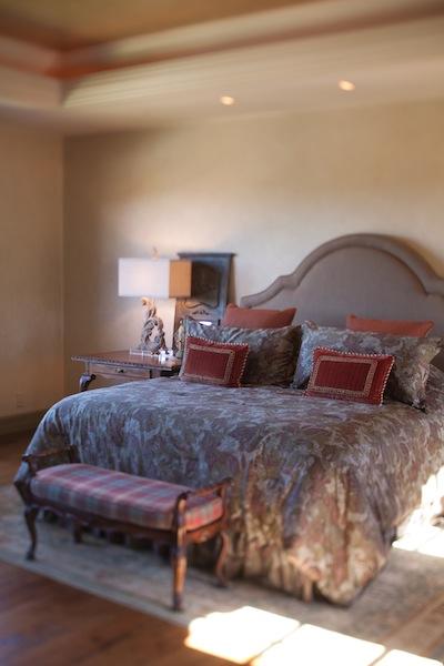 tuscan-bedroom