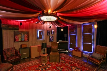unique-studio-basement