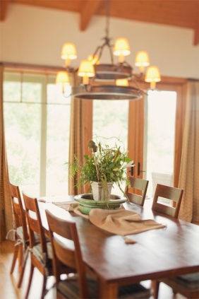 weekend-country-dining-table